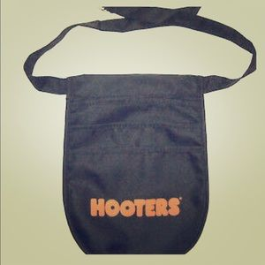 Hooters pouch